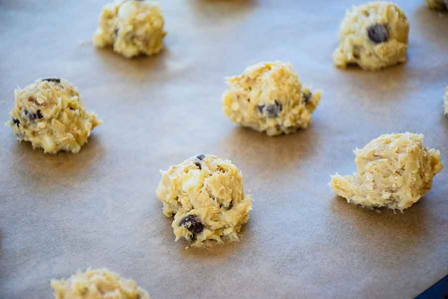 Cookie dough on the baking sheet