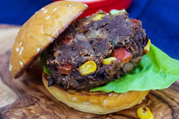 Black Bean Burger – SPICY VEGAN Recipe
