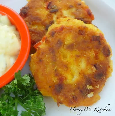Crab Cakes, Curried or Plain