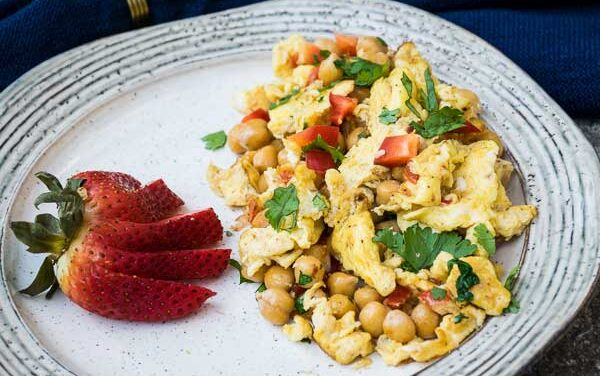 Garlic Scrambled Eggs with Chickpeas
