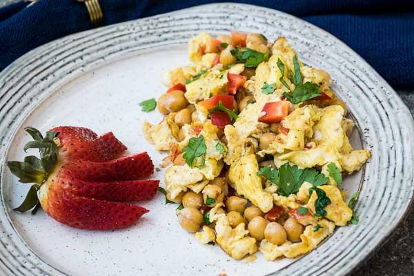 Garlic Scrambled Eggs with Chickpeas