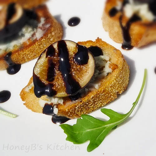 Fig and Gorgonzola Bruschetta with Balsamic Syrup