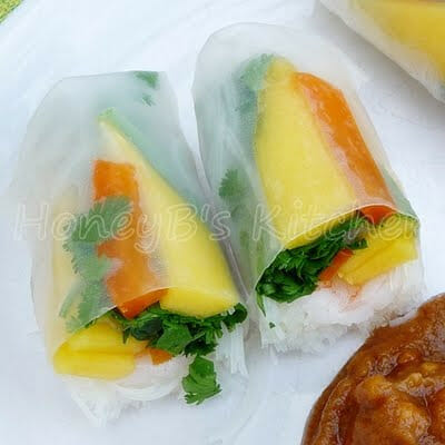 Summer Rolls with Shrimp and Mango
