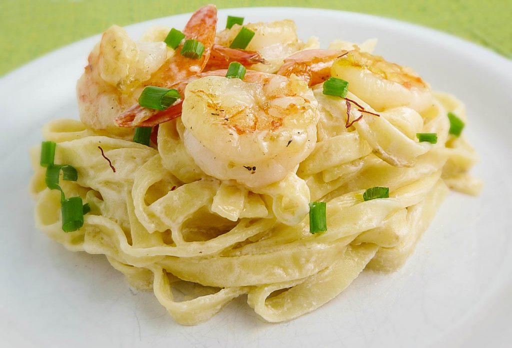 Linguini with Shrimp and Saffron