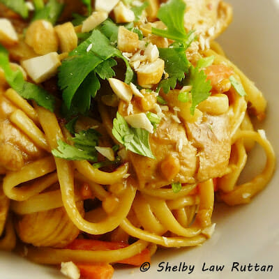 Thai Peanut Chicken and Noodles #asianrecipe #homemadethai #chicken #peanutsauce
