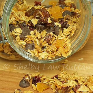 Dark Chocolate Coco-Nutty Granola