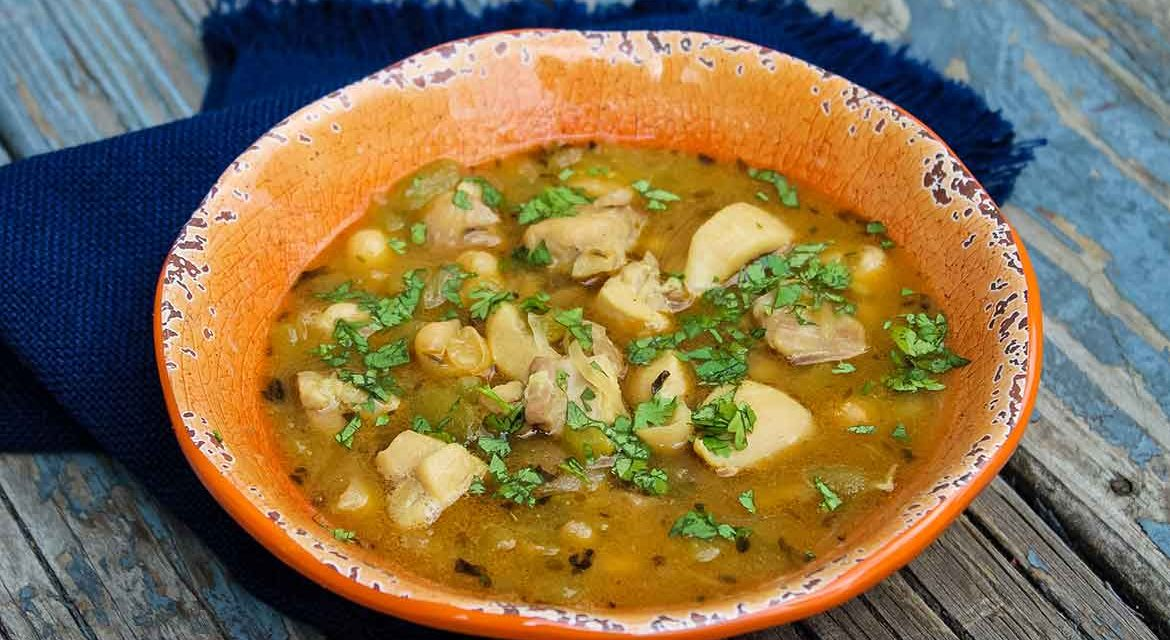 White Chicken Chili – Easy weeknight recipe