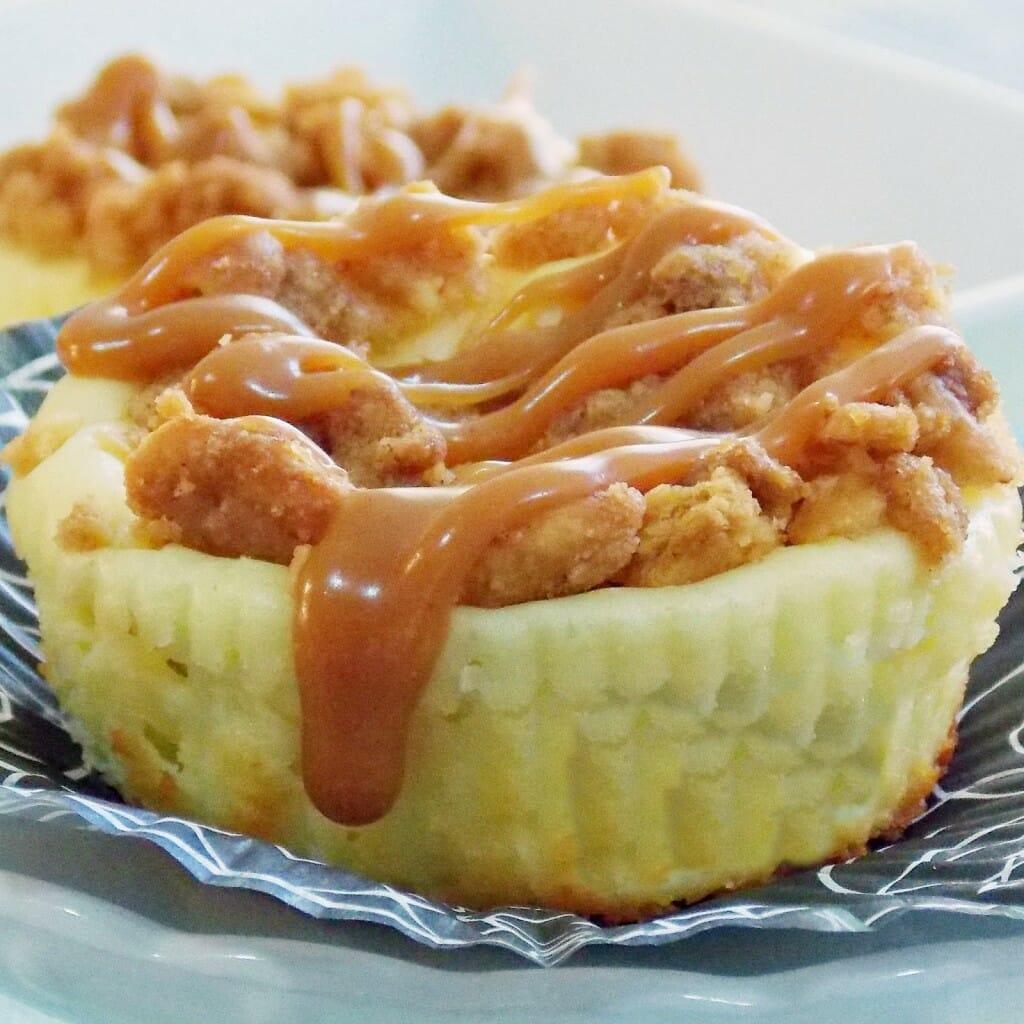 NY Style Mini Crumb Cheesecake