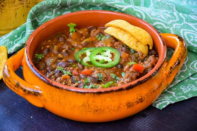 Black Bean Chili with Ground Beef and Chipotle