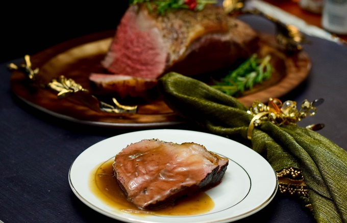 Sirloin Roast with Red Wine Onion Gravy