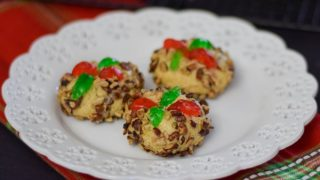 Poinsettia Ball Cookies
