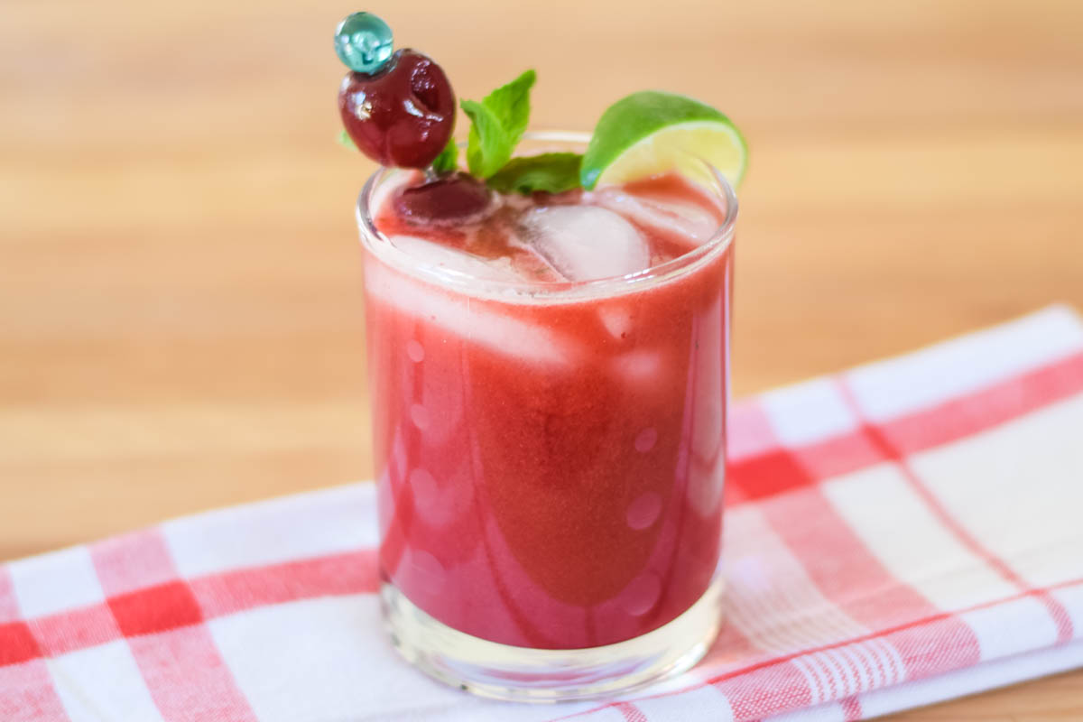 Dark Sweet Cherry Mojito – cool and refreshing!