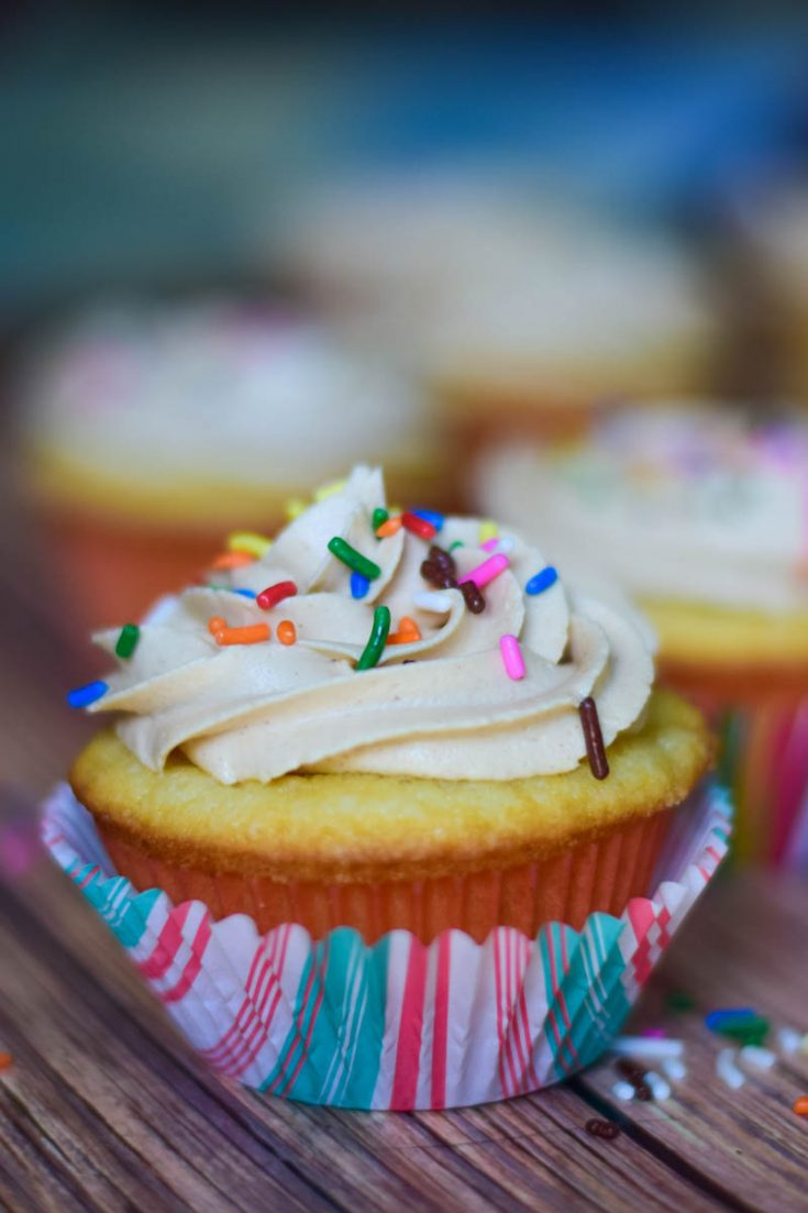 Peanut Butter & Jelly Cupcakes #baking #peanutbutter #cupcake #jelly