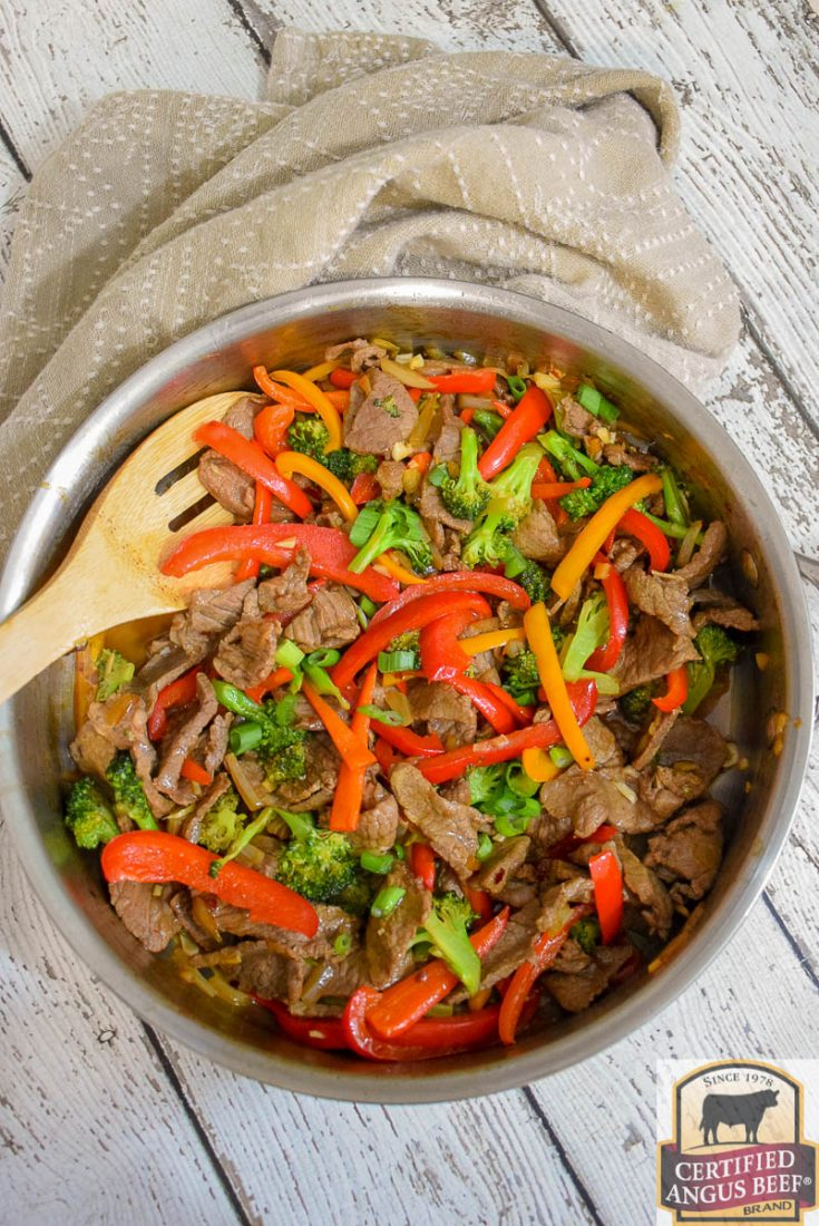 Keto Spicy Beef and Broccoli Stir Fry #beef #bestangusbeef #ketosasianrecipe #asianrecipe #recipeoftheday