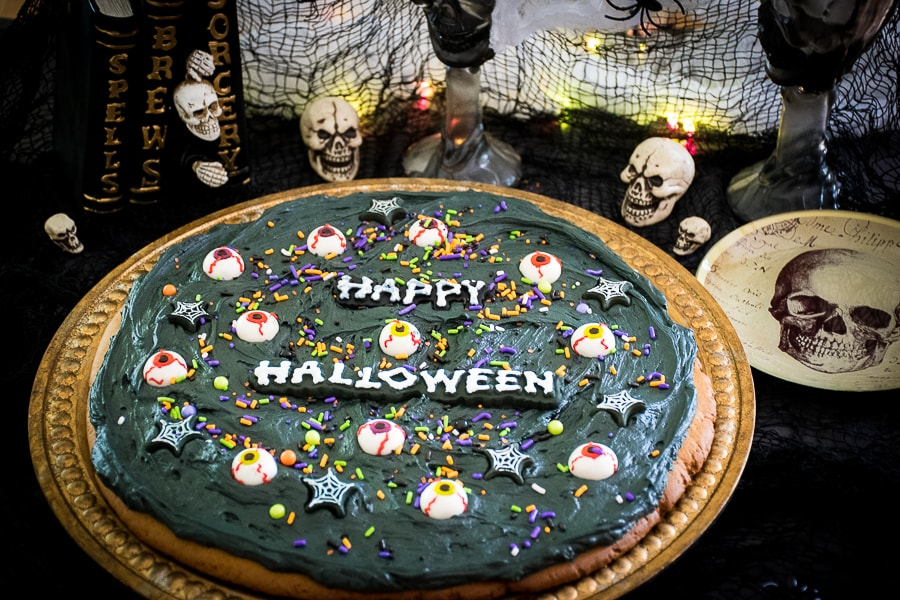 Halloween Cookie Pizza #HalloweenTreatsWeek