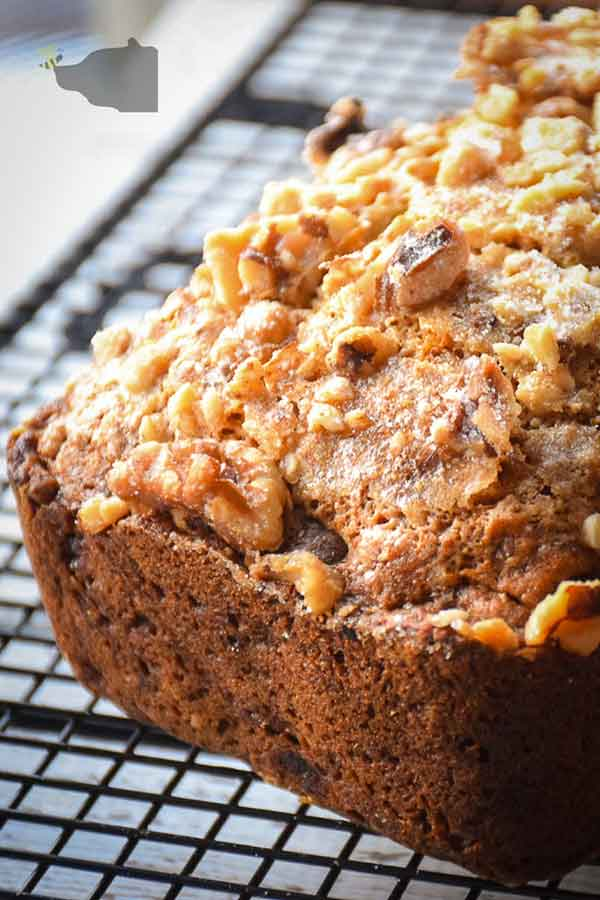 Sugar-Free Maple Syrup Banana Bread with Walnut Topping