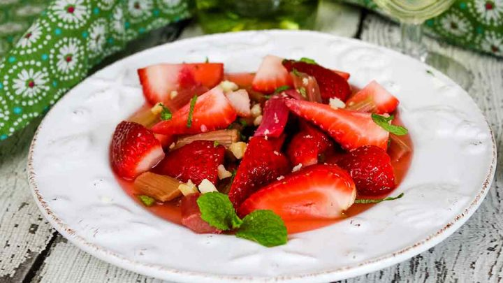 Strawberry Rhubarb Salad