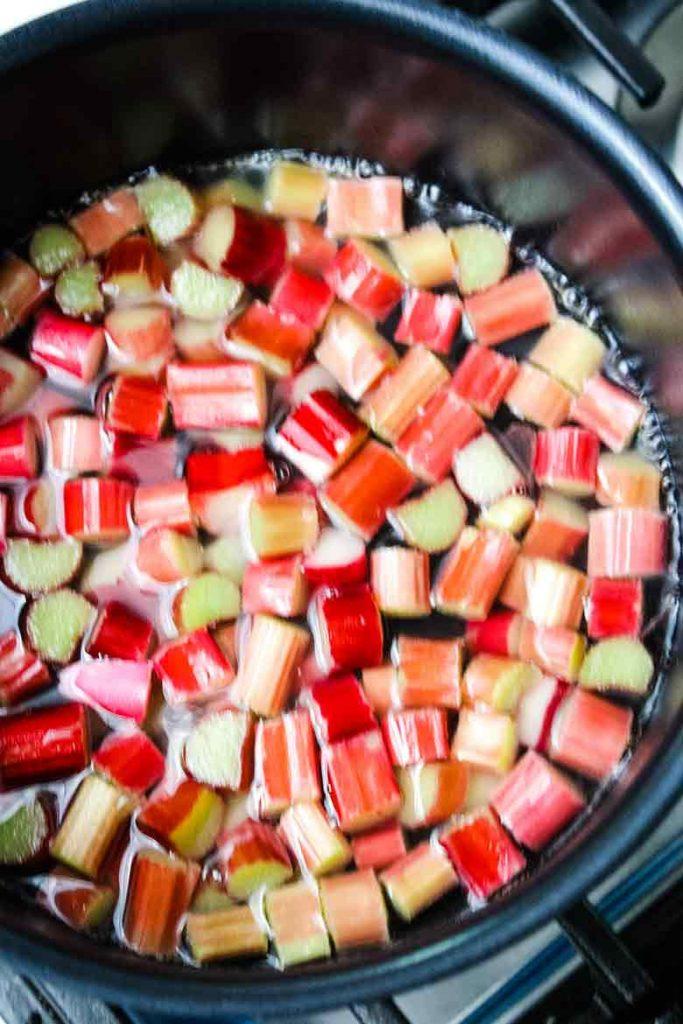 rhubarb in saucepan simmering