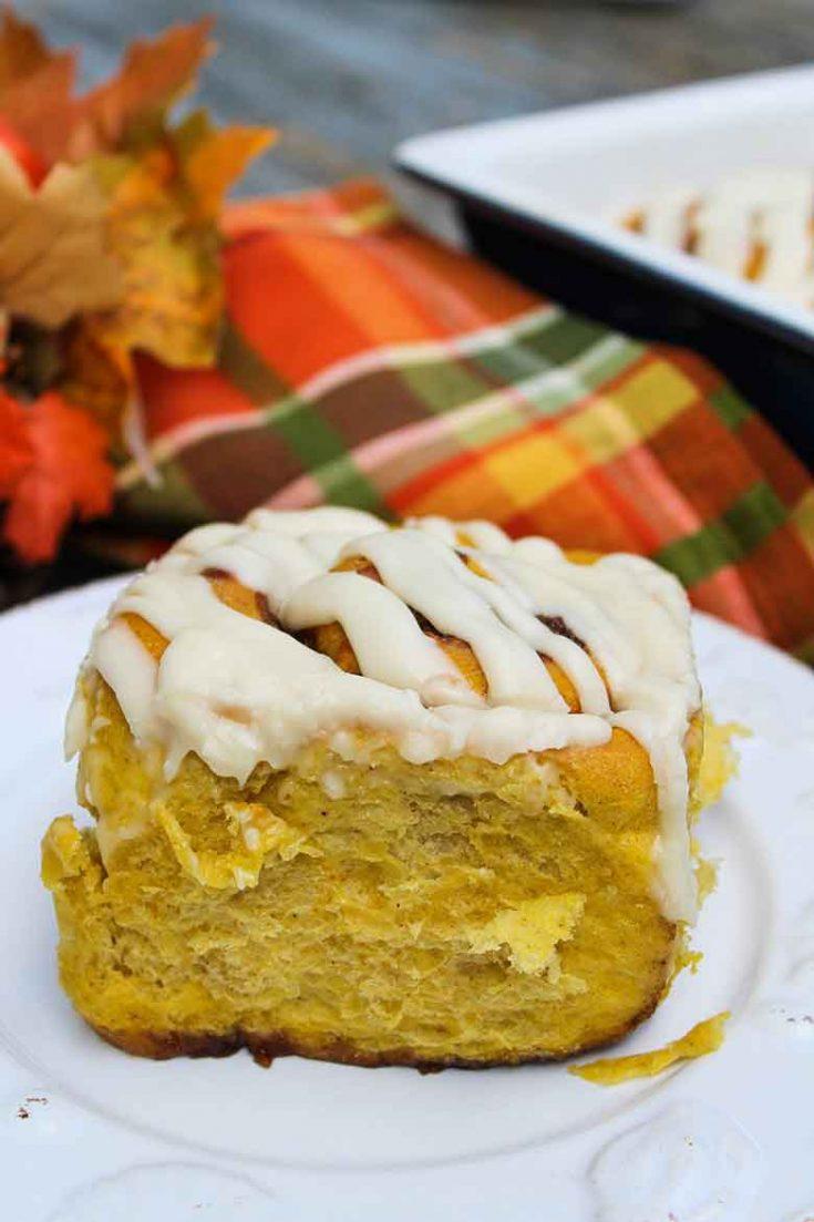 Pumpkin Spice Cinnamon Rolls #pumpkin #baking #fall #recipe
