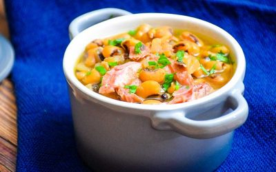 Slow Cooker Black-Eyed Peas with Ham Hock