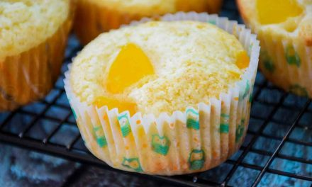 Peach Muffins – Family Favorite Muffin Recipe