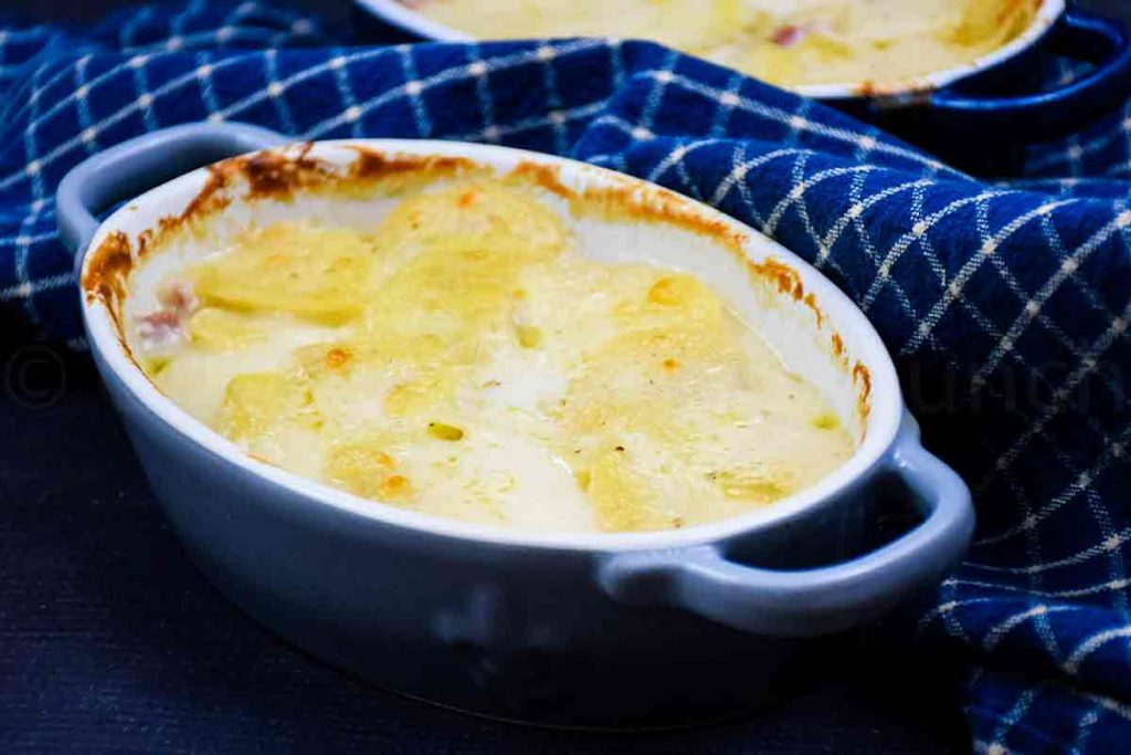 Scalloped Potatoes for Two in gratin dishes