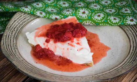 Keto No Bake Cheesecake with Strawberries